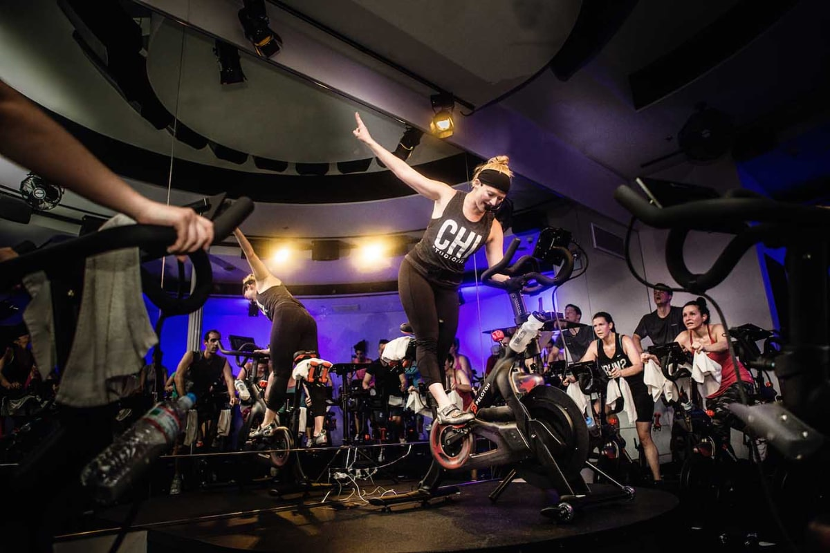 peloton live and on-demand cycling classes