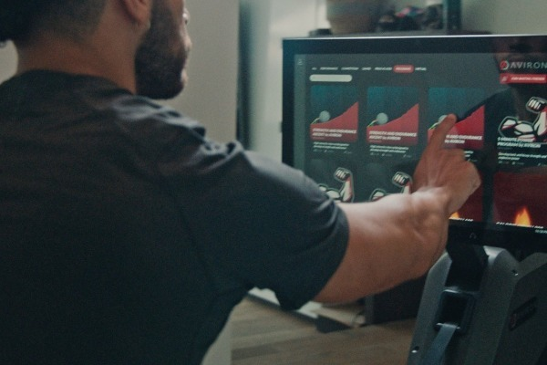 Aviron's HD touchscreen
