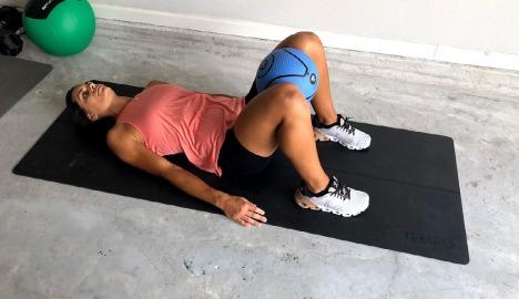 medicine ball hip thrusts 1