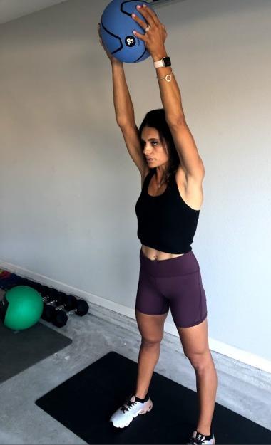 shoulder raises with med ball 3