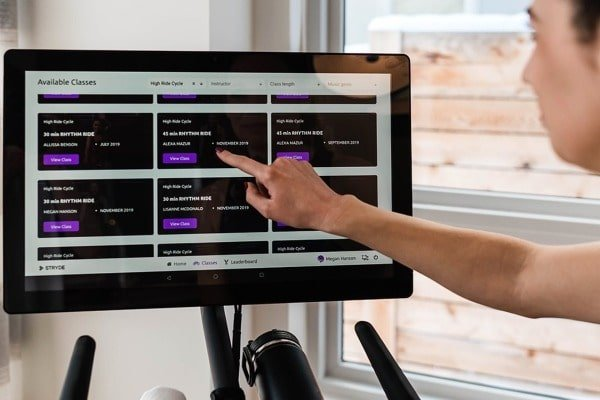 Stryde's programming with HD touchscreen