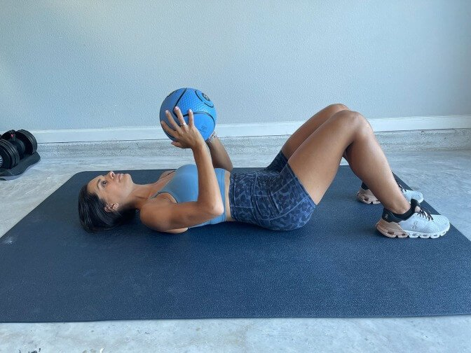 med ball crunches 1